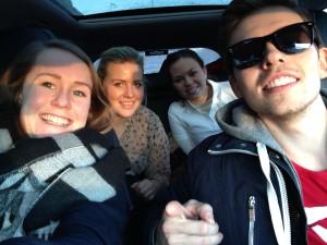 Her er jeg på biltur i Trøndelag med Markus fra HINT, Erika fra NTNU, Oda fra NHH